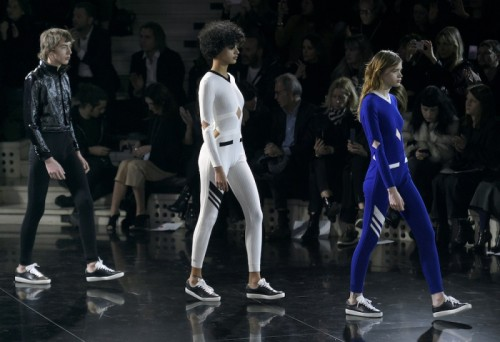 models-presents-creations-by-courreges-during-the-2016-2017-fall-winter-ready-to-wear-collection-fashion-show-in-paris-on-march-2-2016.jpg
