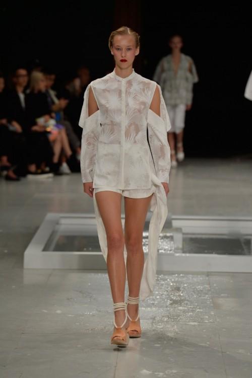 Chalayan-SS16-Paris-Fashion-Week-08.jpg