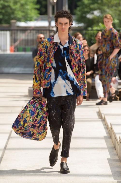 Issey-Miyake-Men-Spring-Summer-2017-Paris-Fashion-Week-30.jpg