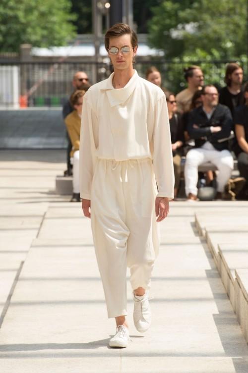 Issey-Miyake-Men-Spring-Summer-2017-Paris-Fashion-Week-8.jpg