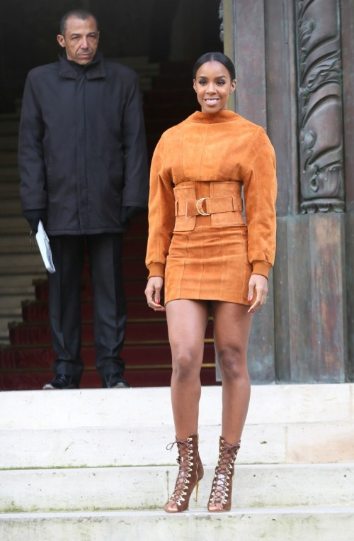 Kelly-Rowland-at-Paris-Fashion-Week-Womenswear-FallWinter-20162017-Balmain-Show-2.jpg