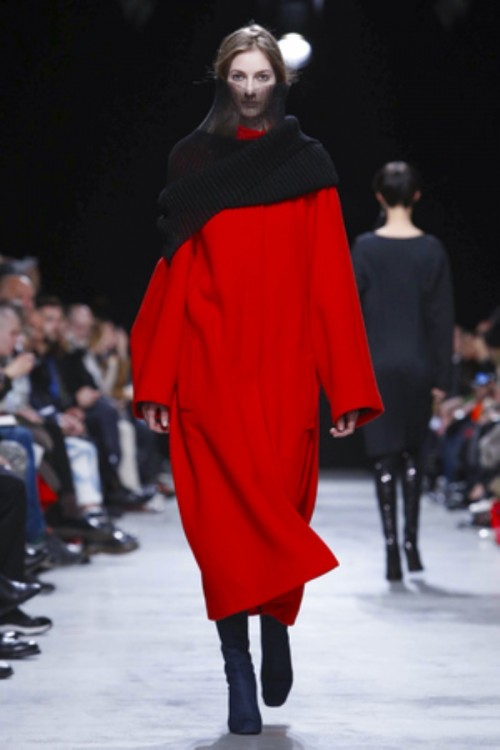 Lutz-Huelle-Ready-To-Wear-Fall-Winter-2016-Paris-9184-1457117955-bigthumb-thumb.jpg