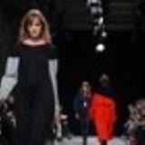 LutzHuelleRunwayParisFashionWeekWomenswearx7_R7OAZjmIt
