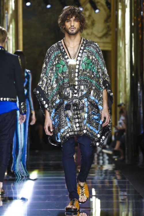 Marlon-Teixeira-Balmain-Spring-Summer-Paris-Fashion-Week-2016-4.jpg
