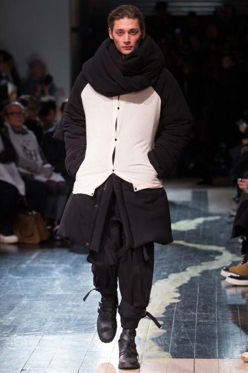 Yohji-Yamamoto-Fall-Winter-2016-Paris-Fashion-Week-2.jpg