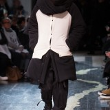 Yohji-Yamamoto-Fall-Winter-2016-Paris-Fashion-Week-2