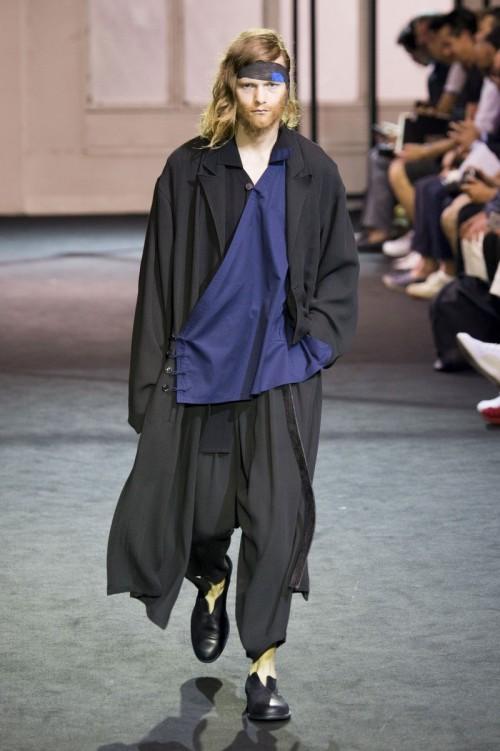 Yohji-Yamamoto-Spring-Summer-2017-Paris-Fashion-Week-1.jpg