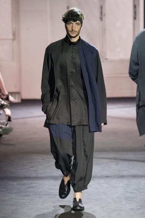 Yohji-Yamamoto-Spring-Summer-2017-Paris-Fashion-Week-2.jpg
