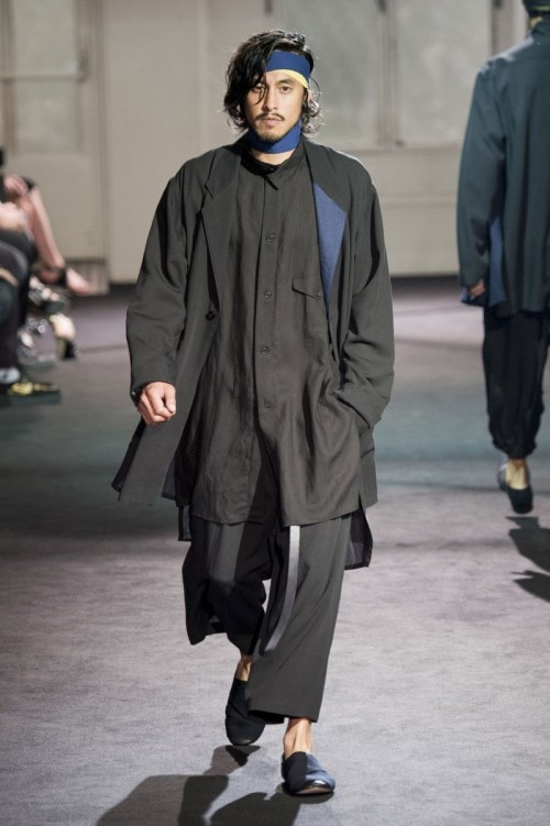 Yohji-Yamamoto-Spring-Summer-2017-Paris-Fashion-Week-3.jpg