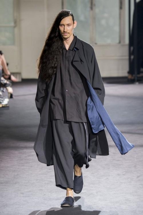Yohji-Yamamoto-Spring-Summer-2017-Paris-Fashion-Week-4.jpg