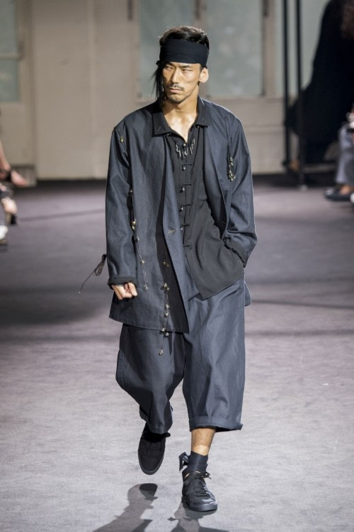 Yohji-Yamamoto-Spring-Summer-2017-Paris-Fashion-Week-5.jpg