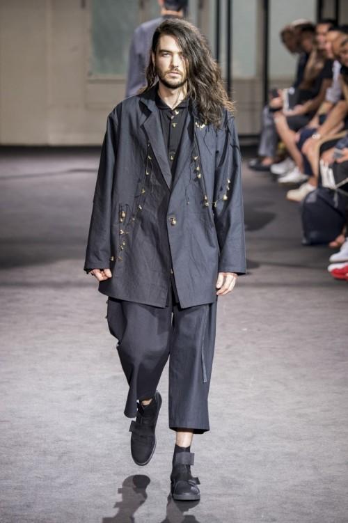 Yohji-Yamamoto-Spring-Summer-2017-Paris-Fashion-Week-6.jpg