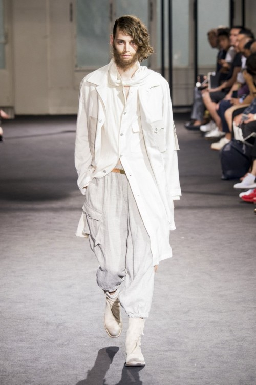 Yohji-Yamamoto-Spring-Summer-2017-Paris-Fashion-Week-7.jpg