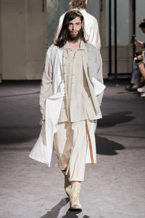 Yohji-Yamamoto-Spring-Summer-2017-Paris-Fashion-Week-8.jpg