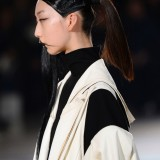 YohjiYamamotoRunwayParisFashionWeekWomenswear5D_oCdbxWE1x