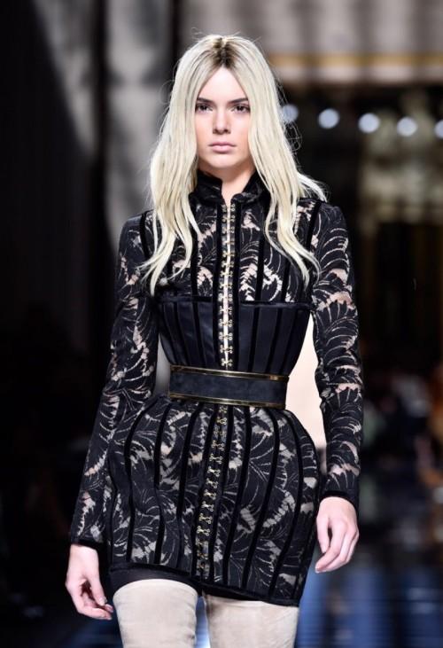 balmain-runway-paris-fashion-week-womenswear-fall-winter-2016-2017.jpg