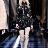 kendall-jenner-blonde-gigi-hadid-brunette-paris-fashion-week-balmain-runway-3316-1-compressed