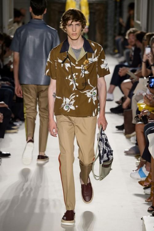Valentino-Spring-Summer-2016-Menswear-Collection-Paris-Fashion-Week-003.jpg