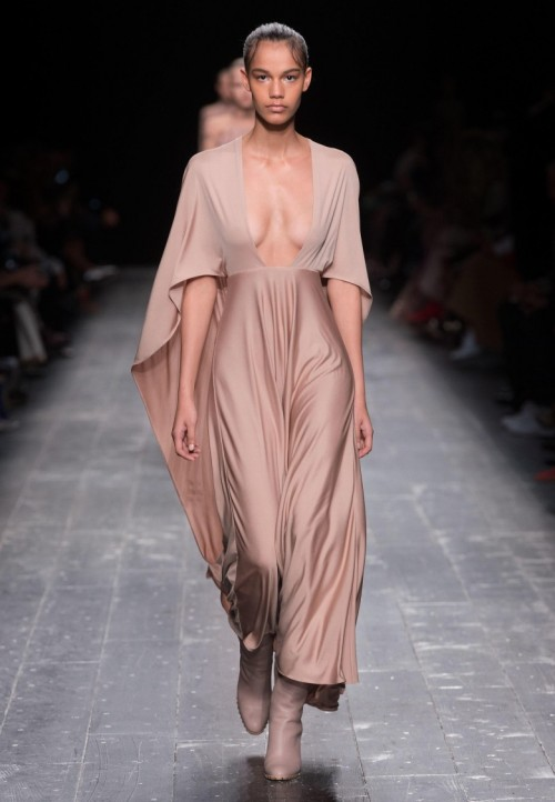 Valentino-collection-2016-8-1.jpg
