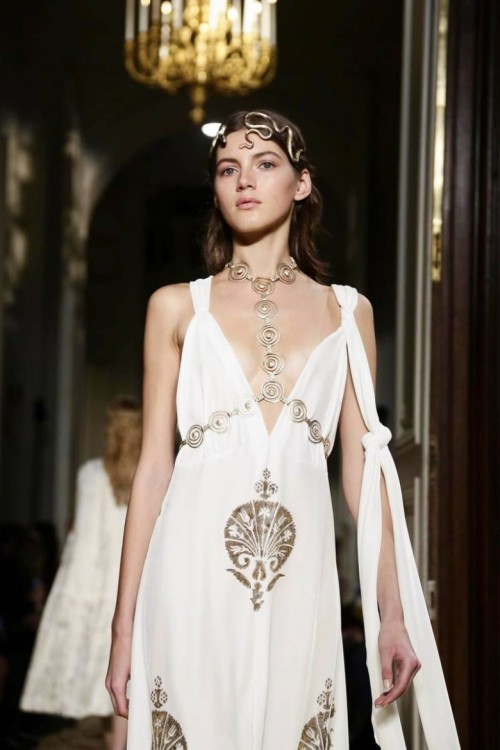 valentino-ss16-couture.jpg