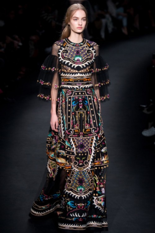 valentino_8671.jpeg_north_326x488_white.jpg