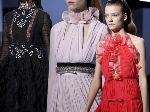 Giambattista_Valli_fall_winter_2016_2017_collection_Paris_Fashion_Week1.jpg