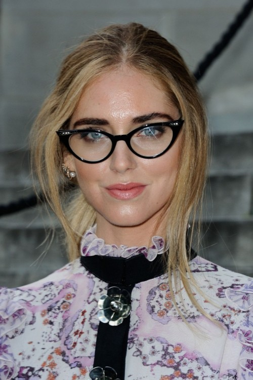 chiara-ferragni-at-giambattista-valli-haute-couture-fall-winter-2016-2017-show-during-paris-fashion-week_1.jpg