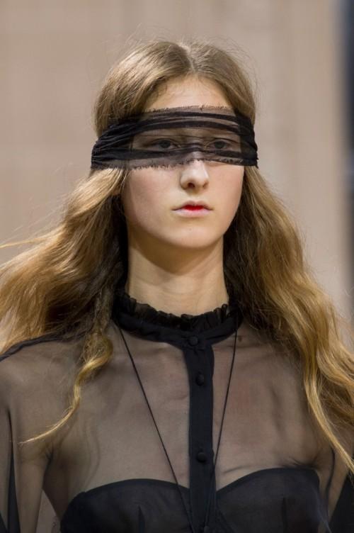 Veronique-Branquinho-spring-2016-close-ups-fashion-show-the-impression-11.jpg