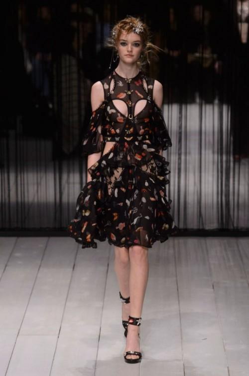 Alexander-McQueen-AutumnWinter-2016.jpg
