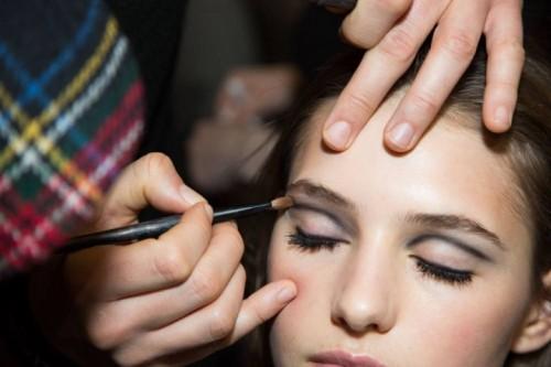 20497-fashion-week-smudged-black-eyeliner-at-1000x0-1.jpg