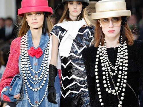 Chanel_fall_winter_2016_2017_collection_Paris_Fashion_Week1.jpg