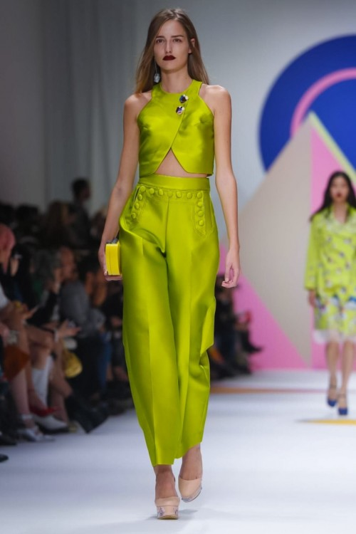 Shiatzy-Chen-Ready-to-Wear-Spring-Summer-2016-Paris-2453-1444154348-bigthumb-bigthumb.jpg