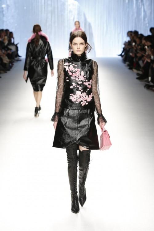 Winter-2015-Fashion-Show-Shiatzy-Chen-Collection.jpg
