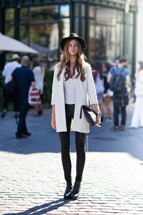 10_best_Elegant_Winter_Street_Fashion_for_Girls_-_Outfit_...jpg
