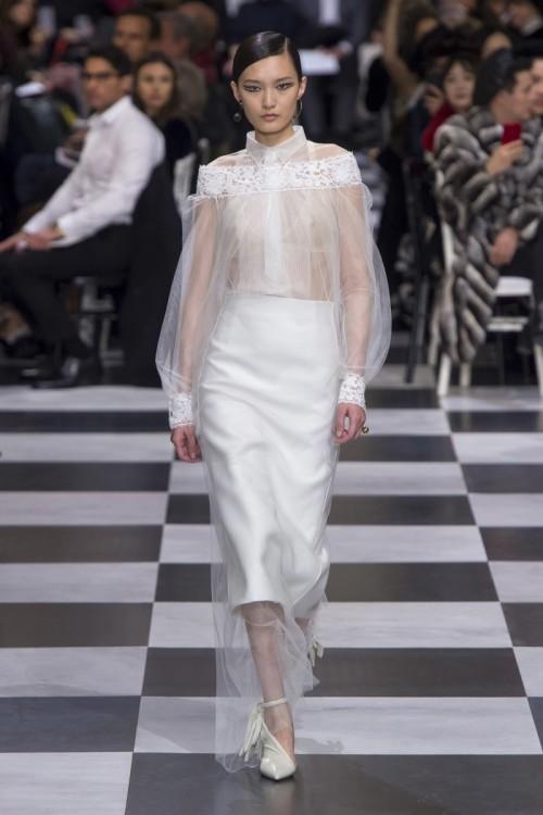 Christian-Dior-Spring-Summer-Collection-2018-Paris-Fashion-Week.jpg