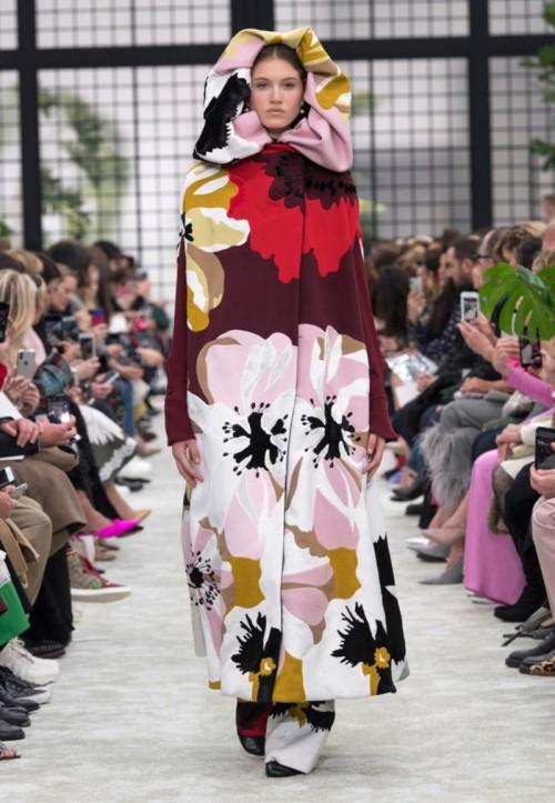 Valentino-Fall-2018-Collection-Runway-Paris-Fashion-Week-PFW-Tom-Lorenzo-Site-1.jpg