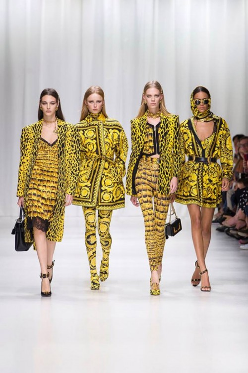 Versace-Spring-2018-Collecton-Runway-Looks-MFW-Milan-Fashion-Week-Tom-Lorenzo-Site-1.jpg