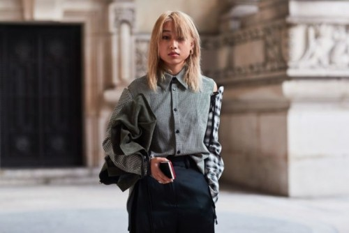 paris-fashion-week-street-style-spring-2018-237053-1506699392476-image.700x0c.jpg
