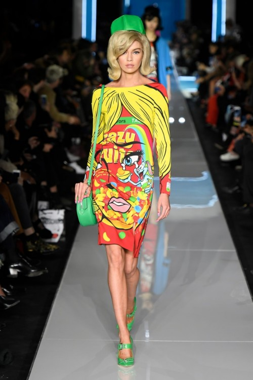 stella-maxwell-walks-moschino-show-milan-fashion-week-02-21-2018-6.jpg