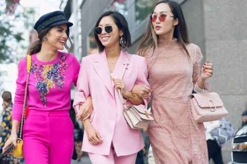 The-Best-pink-street-style-looks-and-pink-pantsuits-at-New-York-Fashion-Week-ss-2018-photo-by-street-style-photograper-Armenyl-4.jpg