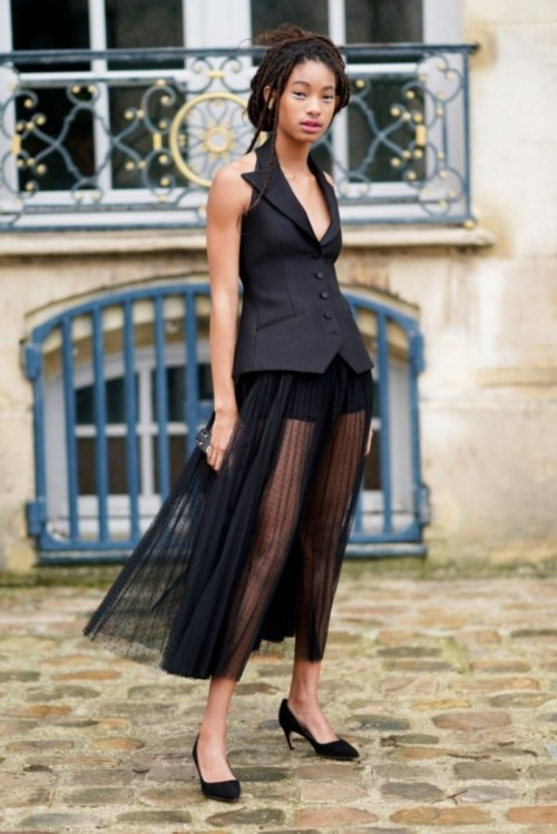 Willow-Smith-Paris-fashion-Week-Street-Style-Spring-Summer-Collection-2018.jpg