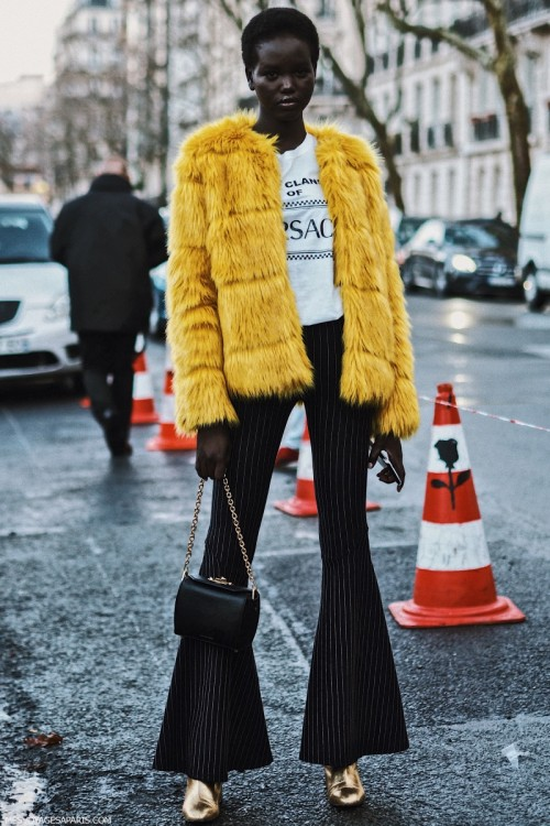 Yellow-Coat-street-style-paris-fashion-week-pfw-march-2018.jpg