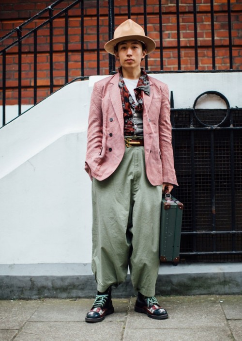 street-style-london-fashion-week-mens-spring-2018-day4-buro247sg-3.jpg