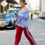 street-style-new-york-fashion-week-popsugar-fashion-australia-photo-15051262894n8kg