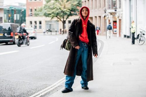 street_style_london_fashion_week_primavera_verano_2018_372212518_1300x867.jpg