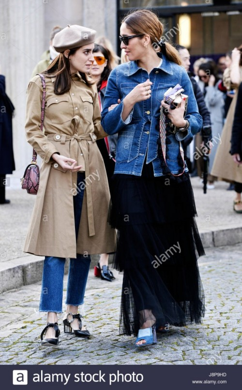 streetstyle-outside-miumiu-paris-fashion-week-aw-2017-2018-france-J8P9HD.jpg