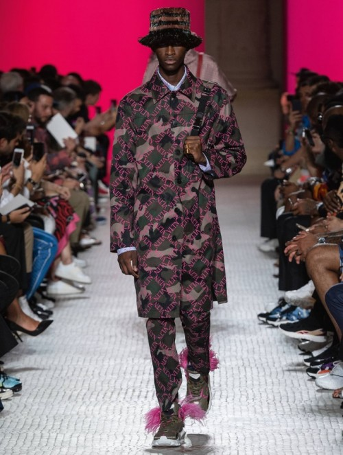 Valentino-Fashion-Show-SS-2019.jpg