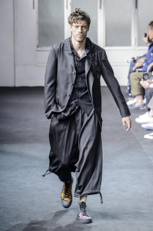 Yohji-Yamamoto-Spring-Summer-2019-Paris-Fashion-Week-1.jpg