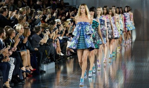 mary-katrantzou-ss14-london-fashion-week-september-2013-shaun-james-cox-bfc-jpg-740px-_1527326441e0eb71.jpg