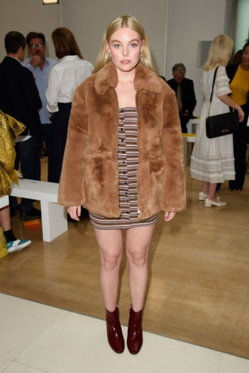 nell-hudson-at-jasper-conran-show-spring-summer-2019-london-fashion-week-uk-3_thumbnail.jpg